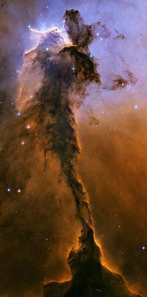 سديم النسر بواسطة المرصد الفضائي هابل