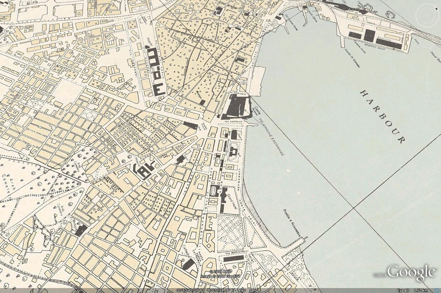 الساحة الخضراء والمدينة القديمة 1943