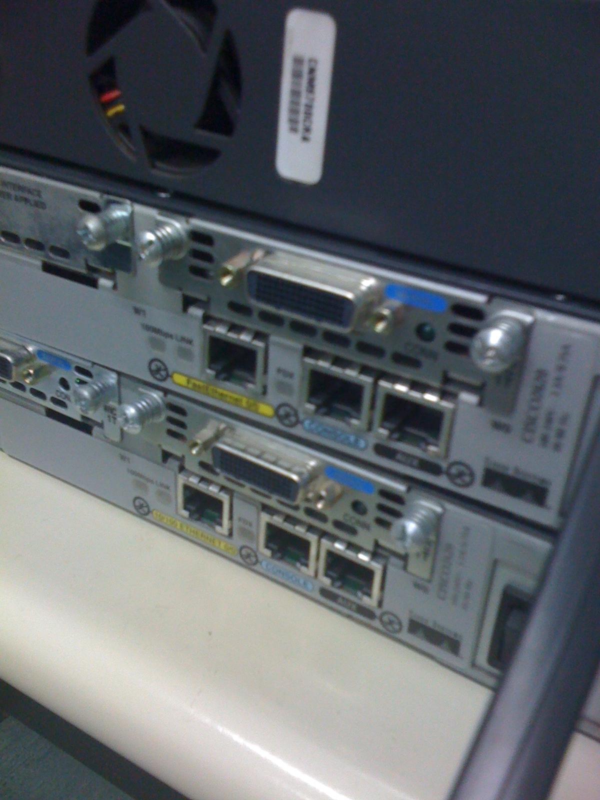 أجهزة ومعدات Routers & Switches