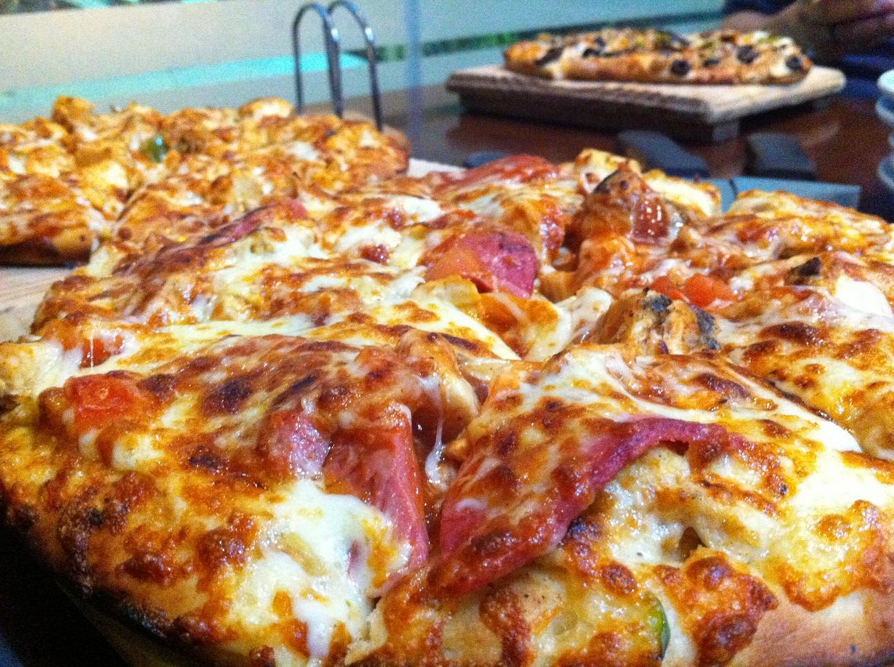 وجبة العشاء من بيتزا فورنو الفرناج